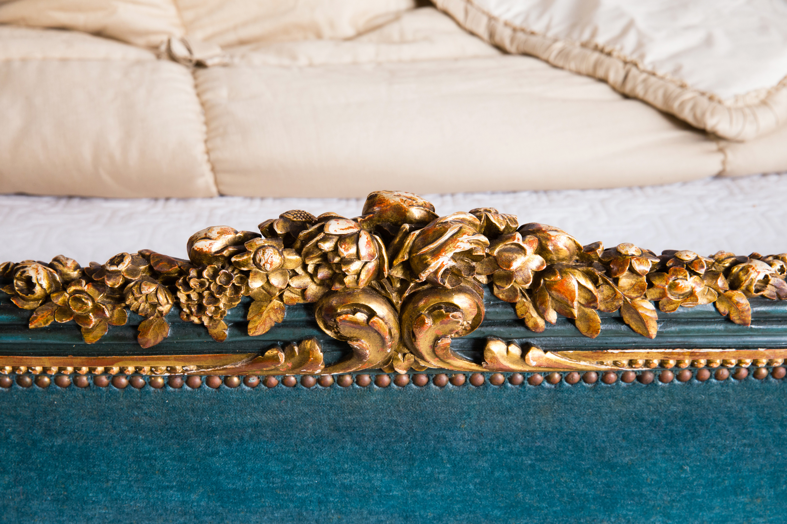 antique_bed_french_louis_718_b
