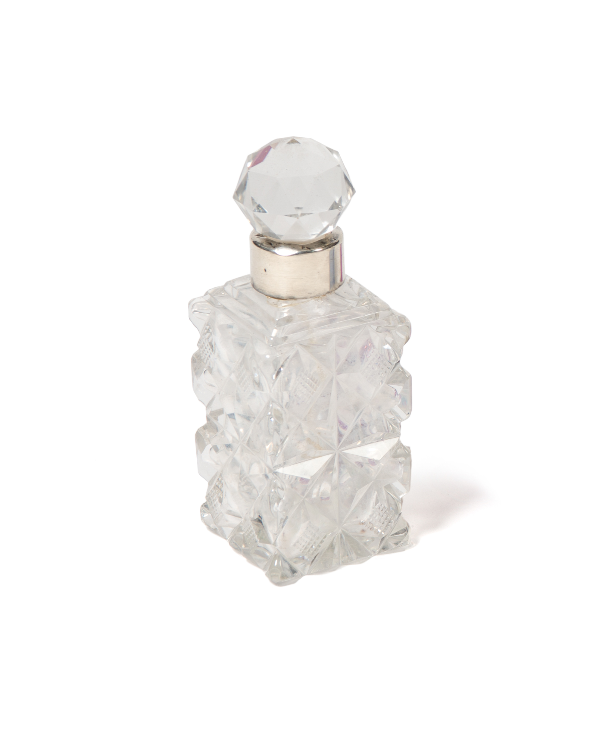 cut_crystal_perfume_bottle_137i